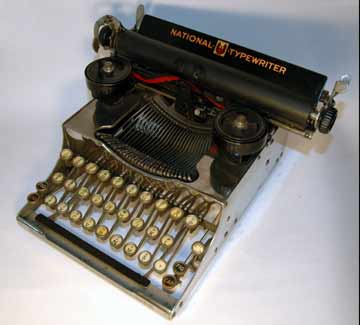 http://www.typewritermuseum.org/collection/kbrd_writers/_ill/natport1.jpg